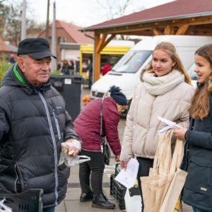 Kontrowersyjna decyzja władz Obornik: nie zamykają targowiska