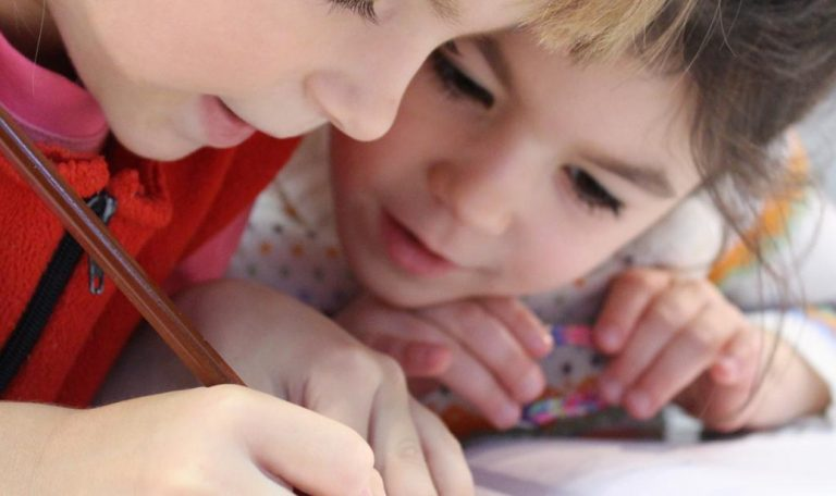 Dodatkowy zasiłek opiekuńczy dla oborniczan na dziecko do lat 8