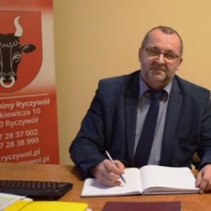 Gorzka przyjaźń gminy z powiatem