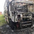 Ciężarówka w płomieniach