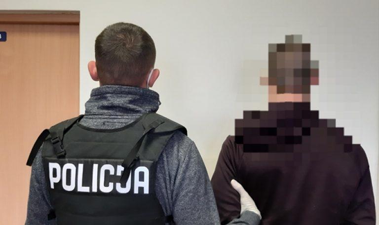 Dwóch oborniczan zatrzymanych. Mają 22 i 27 lat. Są podejrzani o napad na sklep w Uścikowie