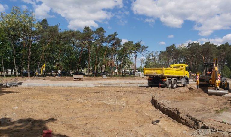 Budowa parkingu przy obornickiej pływalni