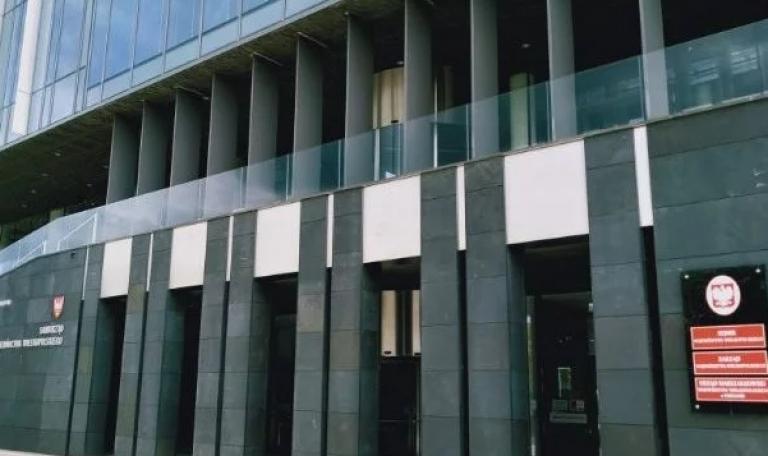 Oborniccy przedsiębiorcy protestują przed Urzędem Marszałkowskim. Czują się oszukani