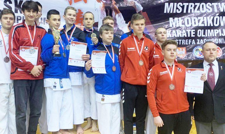 Deszcz medali na mistrzostwach w karate