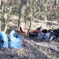 Droga Rożnowo-Łukowo zasypana śmieciami