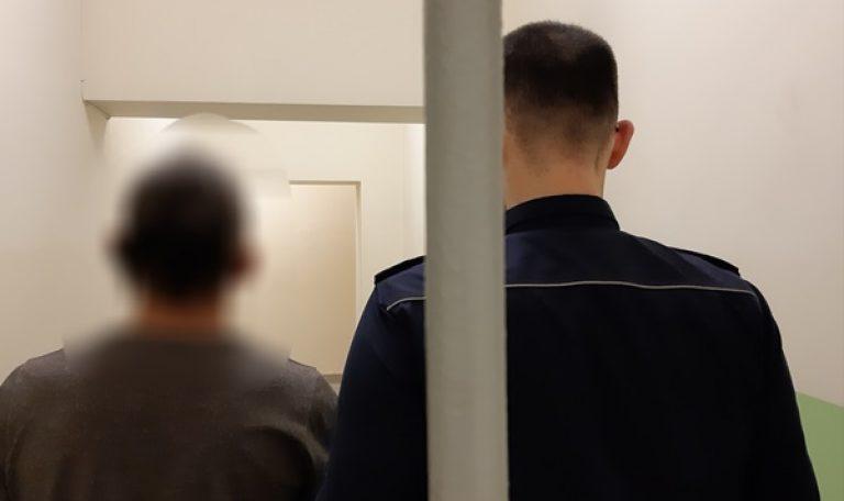 Aresztowano rogoźnianina, w którego w mieszkaniu znaleziono narkotyki