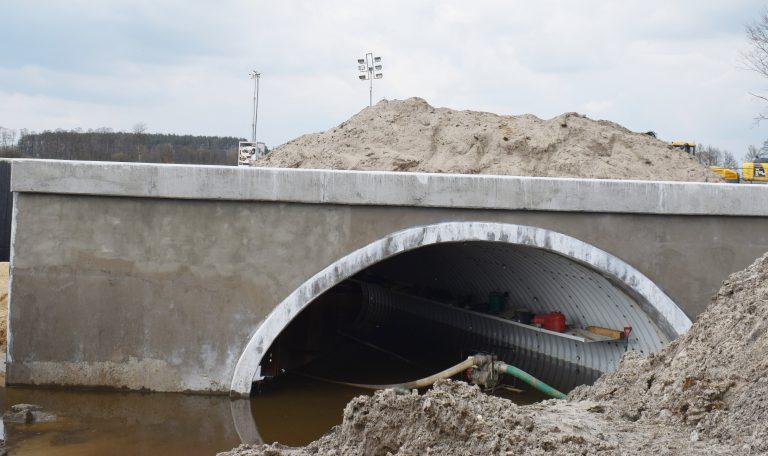 Główne części mostu są już w dużej mierze gotowe