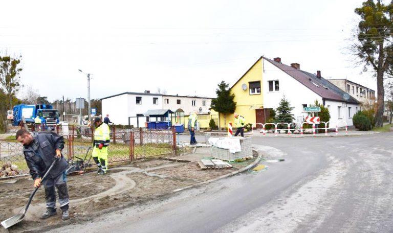 W Gołaszynie trwają prace drogowe
